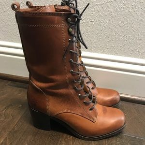 Frye women's lace up leather boots gorgeous